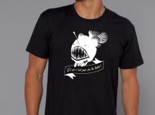 divers T-shirts